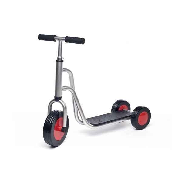 jasper toys trottinette scooter 5049259 photos jouets voiture a pedales de jasper toys. Black Bedroom Furniture Sets. Home Design Ideas